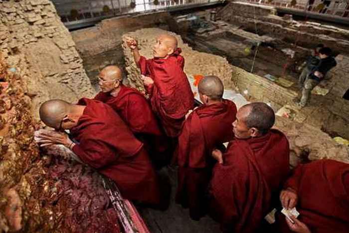 Религиозный артефакт: ранний буддийский храм Лумбини.