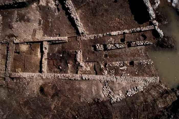 Религиозный артефакт: митраизм на Корсике.