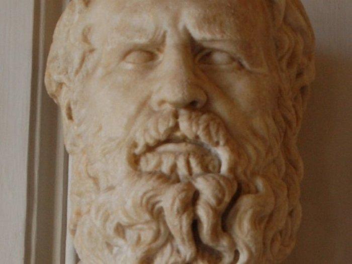 Гераклит намазался навозом и был съеден собаками.