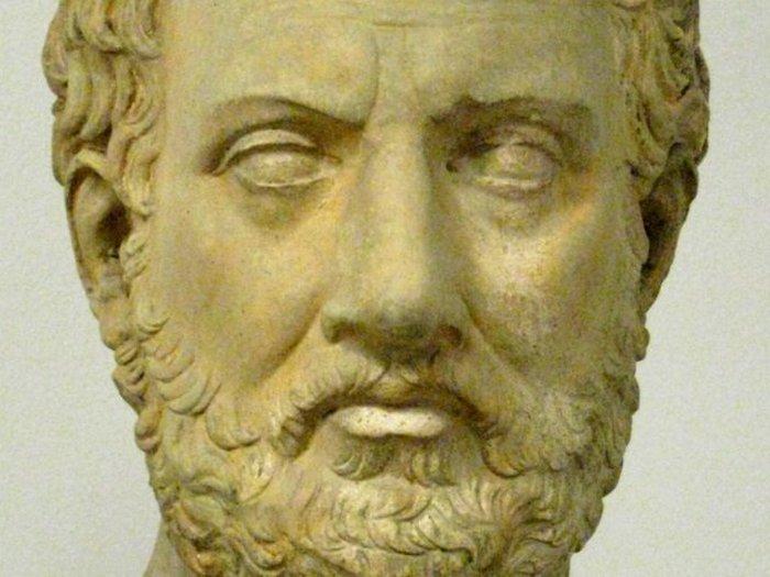 Фукидид умер, не закончив предложения.