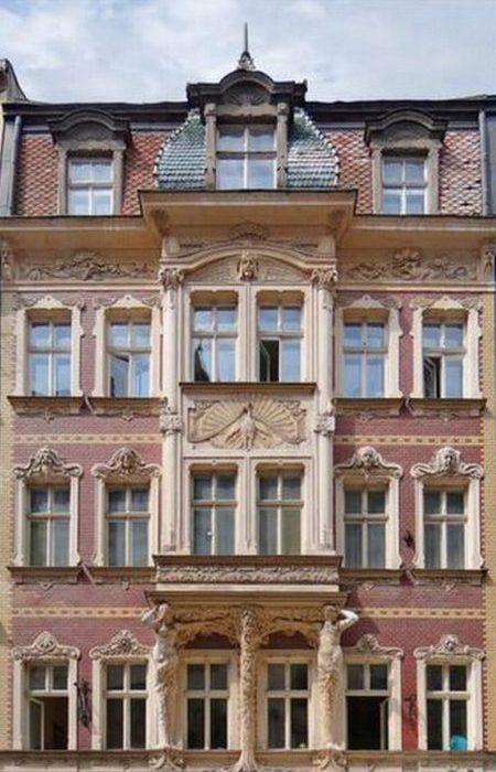 Здание на ул. Смилшу, 2 построенное по проекту Константина Пекшенса, 1902 год.