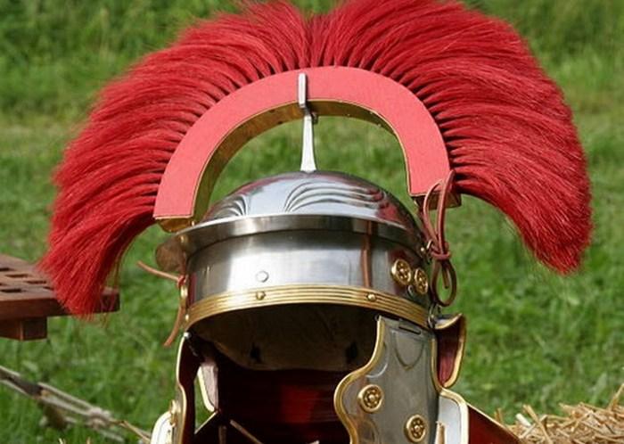 Римский шлем.