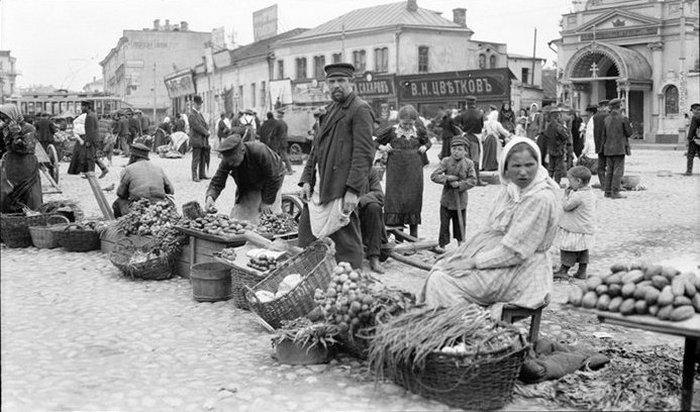 На московском рынке.
