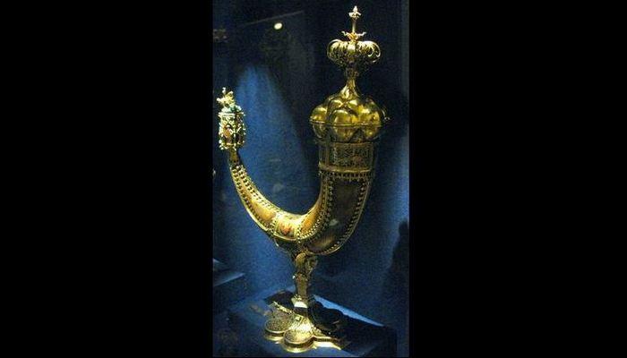 Питьевой рог Сигизмунда I Люксембурга до 1408 года.
