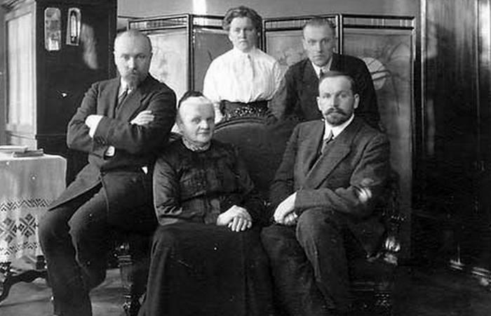 Рерих Н. К., Мария Рерих, Лидия Рерих, Борис Рерих, Владимир Рерих./ Фото: museum.roerich.com