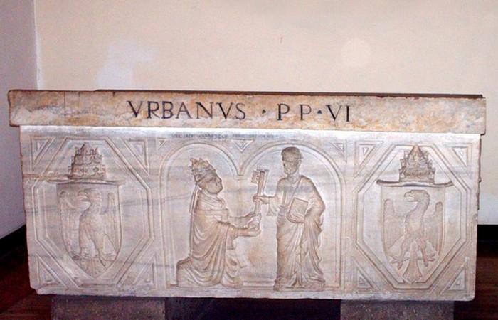 Саркофаг Урбана VI./ фото:wikiplanet.click
