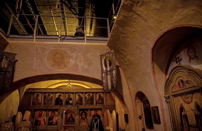 Убранство Православной церкви.