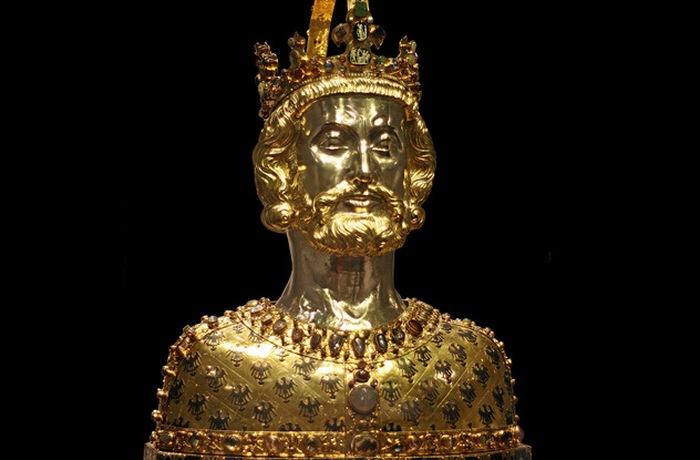 Реликварий-бюст Карла Великого.