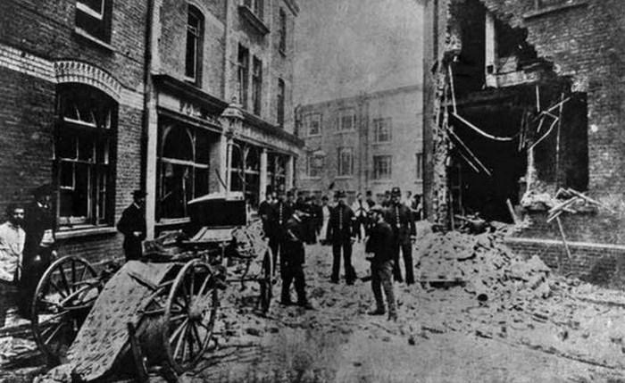 Взрыв в Скотланд-Ярде.