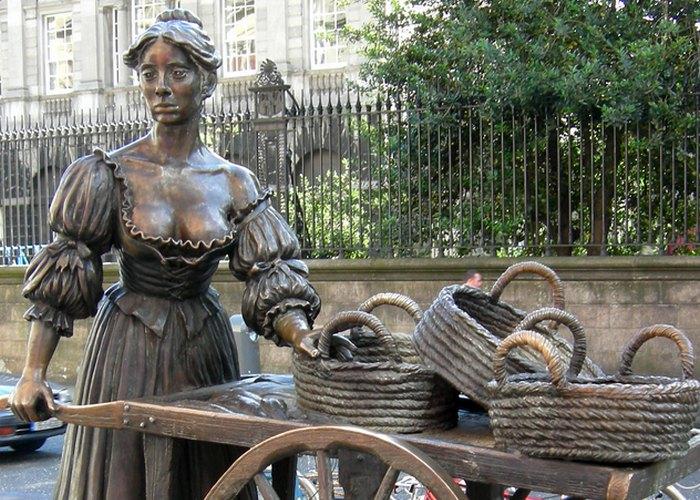 Скульптура «Молли Малоун».