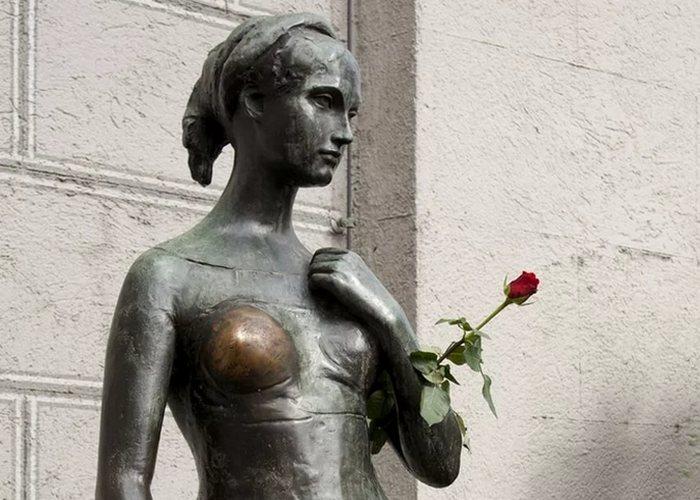 Скульптура «Джульетта».
