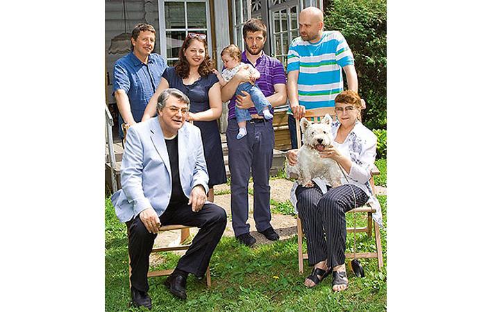 Большая счастливая семья./ Фото: Штейнбок М.