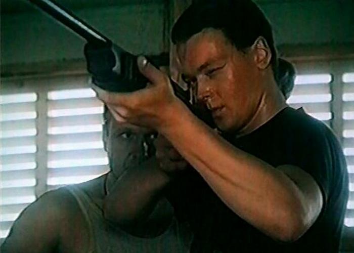 Кадр из фильма «Снайпер»./ Фото: nnm.me