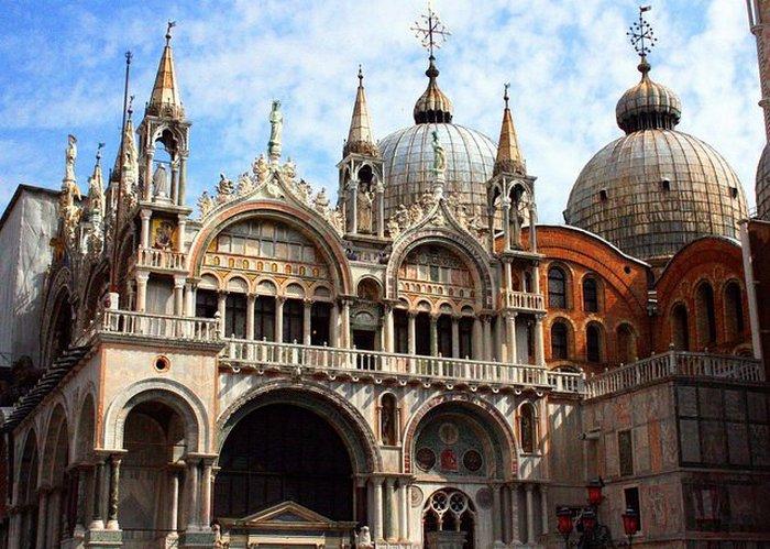 Великолепный пример итало-византийской архитектуры. Автор: Глен Скарборо