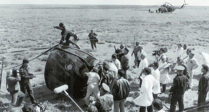 «Союз-11» после посадки.