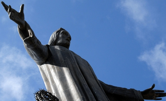 Статуя Христа в Мексике.