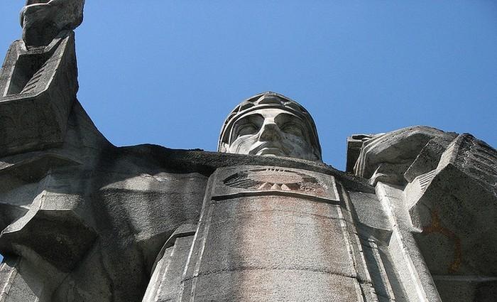 Строительство статуи завершили в 1934 году.