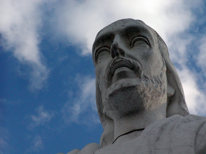 Статуя расположена на 1440-метровой высоте.