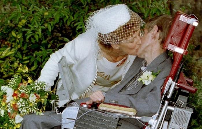 Вторая свадьба Стивена Хокинга ./фото: gopixpic.com