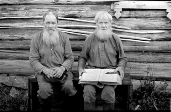 Жители скита.