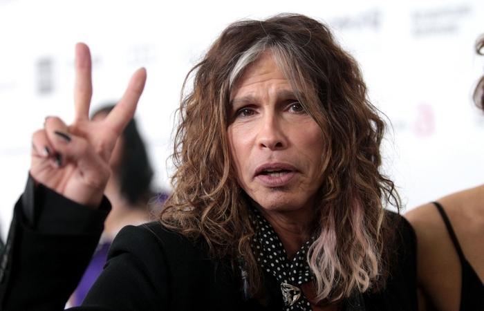 Стивен Тайлер - лидер группы «Aerosmith».
