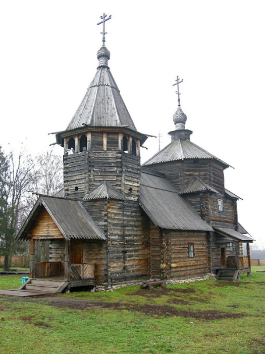 Церковь Воскресения Христова из села Потакино.