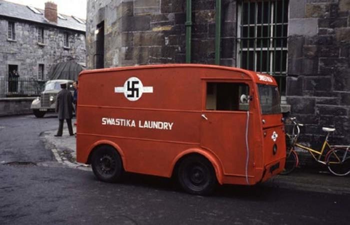 Свастика в логотипе прачечной компании в Дублине, Ирландия. 1912 год.