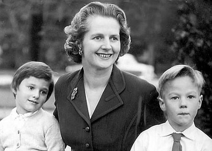 Маргарет Тэтчер со своими детьми-близнецами./ Фото: vokrug.tv