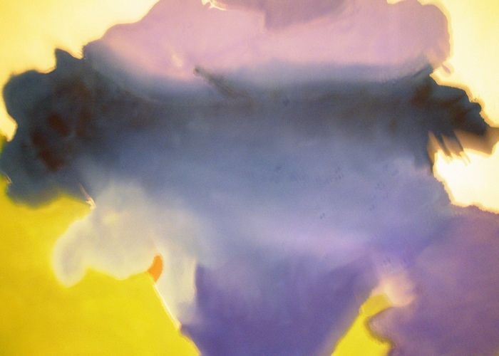 Украшение картины жевательной резинкой.
