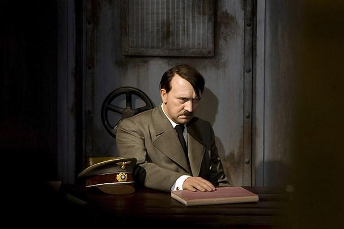 Фигура Гитлера в музее Тюссо.