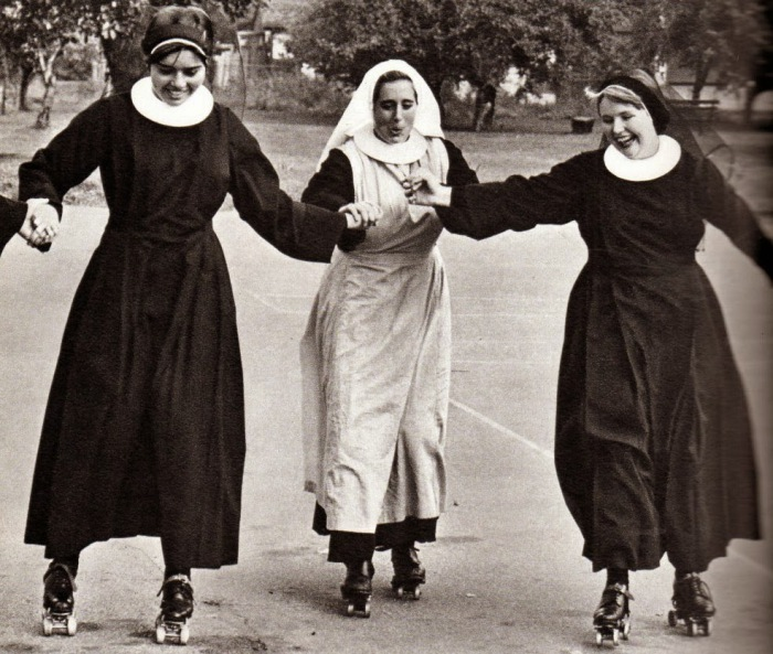как развлекались монахи и монашки