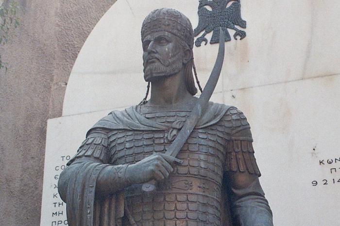 Ангел спас Константина от османов, превратив императора в мрамор.