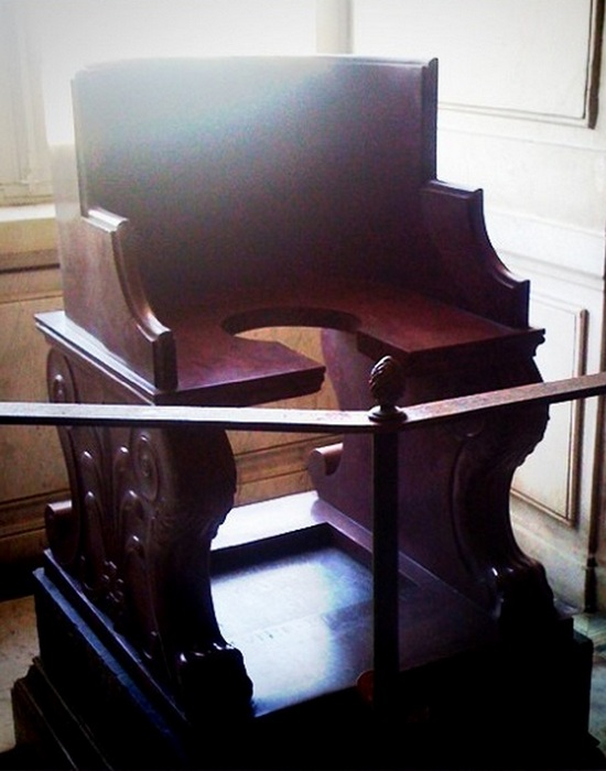 Музеи Ватикана: «Папский туалет».