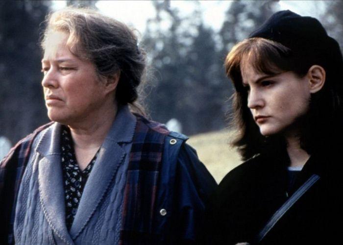 Кадр из фильма «Долорес Клэйборн»./ Фото: kinozon.tv