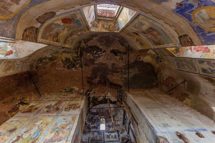 Роспись стен 1796-1799 года.