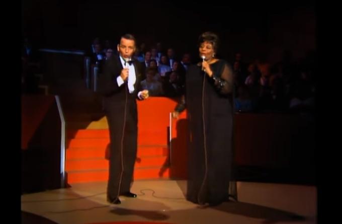 Великолепный джазовый дуэт из прошлого: Элла Фицджеральд и Фрэнк Синатра.