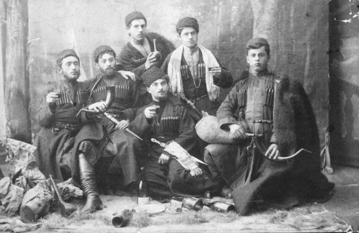 Любители вина с Кавказа.