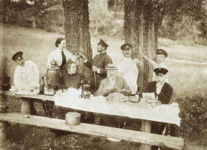 Алкогольный пикник.