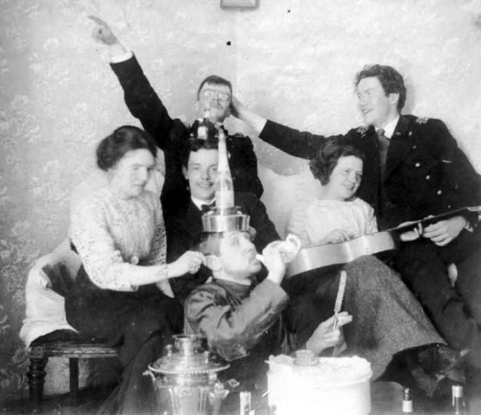 В алкогольном угаре весело всем.