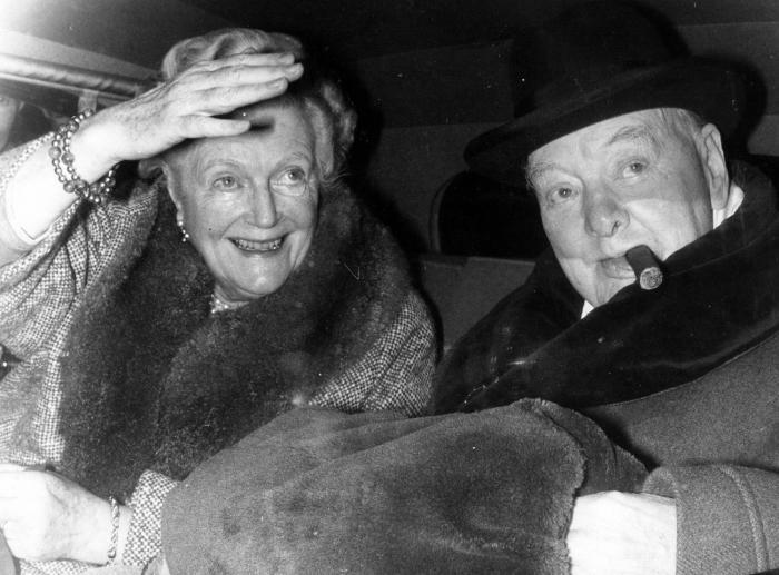Уинстон Черчилль и Клементина Хозьер: 57 лет брака, которому не давали и полгода.