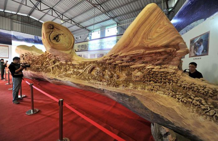 Самая большая в мире деревянная скульптура.