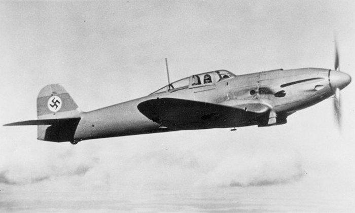 He 112 в полете./фото: warhistoryonline.com