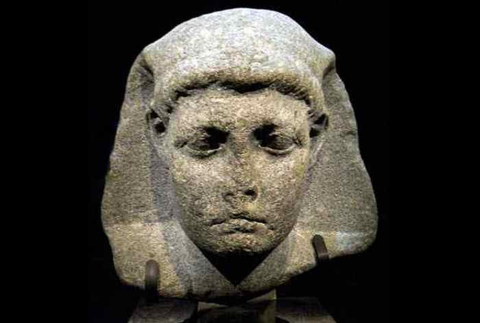 Цезарион — сын Юлия Цезаря и египетской царицы Клеопатры.