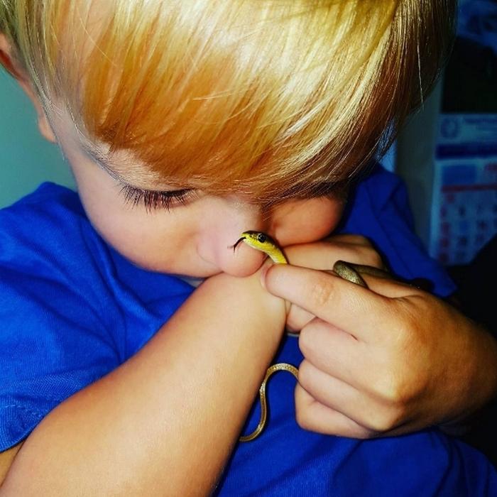 Детство со змеями.