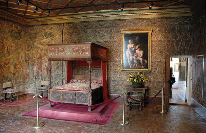 Интерьер будуара в замке Шенонсо.