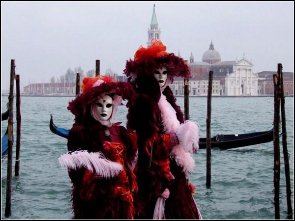 Карнавал в Венеции: море и камень