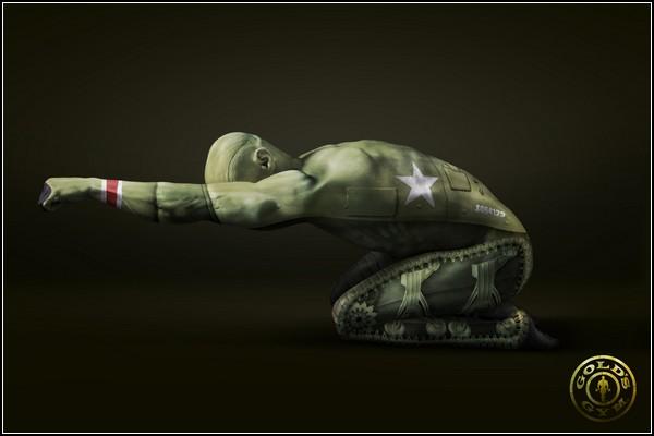 Необычные татуировки: человек-танк
