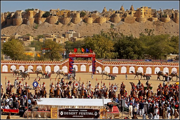 Фестиваль Пустыни в Джайсалмере: самый восточный фестиваль Индии