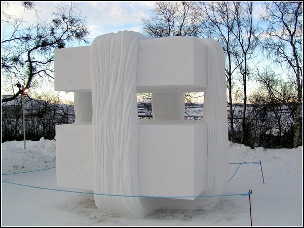 Снежные скульптуры из Кируны: кубизм