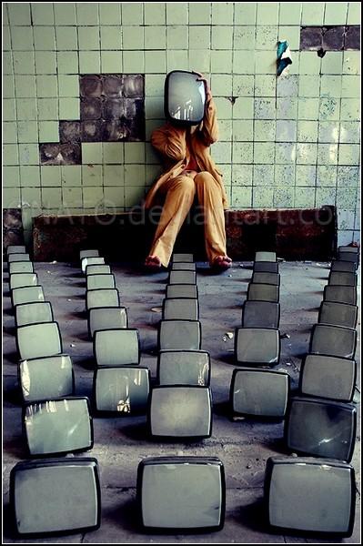 Лабиринт отражений: одиночество в толпе